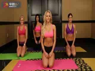 性感丰满美女健身房教练教你瘦身健美操