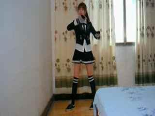 机械舞教学:短裙中学生美女机械舞poppin表演