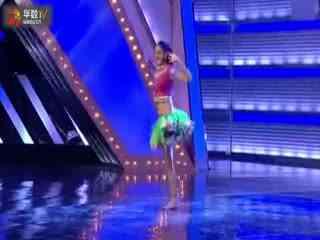 印度单腿美女舞出激情人生