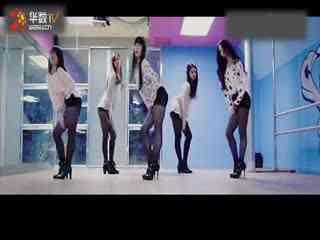 短裤性感美女热舞