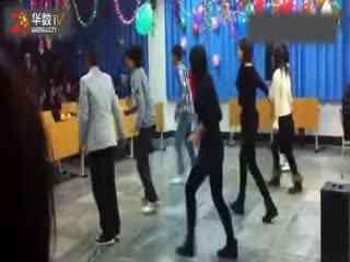 韩国性感美女车模热舞