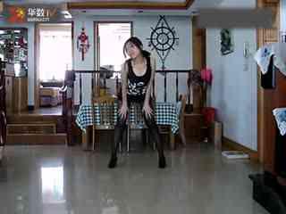 短裤性感美女热舞太诱惑啦!