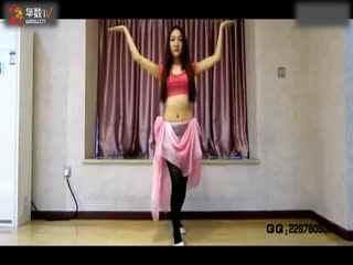 小美女表演肚皮舞《迷宫》
