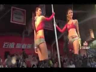 热舞制服韩国美女热辣钢管舞