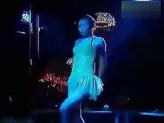 郑州夜店里的两个清纯美女dj热舞不穿内裤