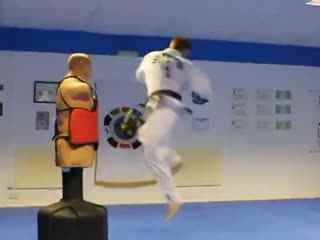 跆拳道压韧带视频