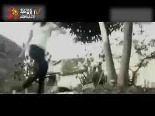 韩国美女创意十足的鬼步舞表演