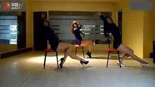 钢管舞美女 性感诱惑椅子舞