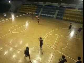 排球教学视频 排球视频教学 04 正面双手垫球
