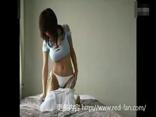 日本性感比基尼美女 这样的衣服穿起来好诱惑
