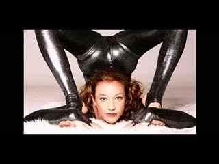 俄罗斯美女柔术视频