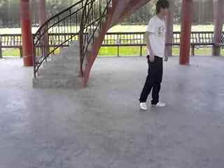 墨尔本鬼步舞视频 美女鬼步舞