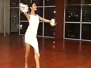 美女徐冰拉丁舞入门教学视频