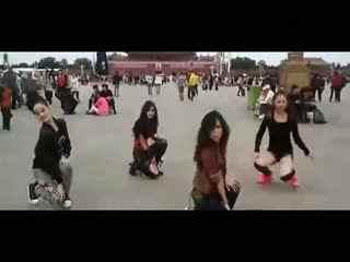 美少女天安门广场跳小苹果广场舞【广场舞视频大全】