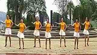 广场舞小苹果:美女广场舞