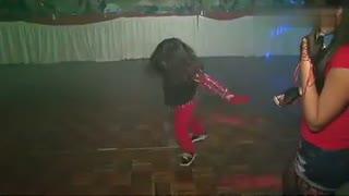 鬼步舞教学基础舞步 小小美女经典鬼步舞