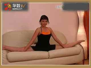 超美身材美女柔术诠释完美的性感