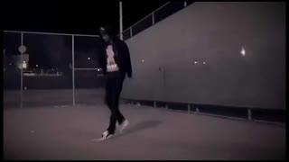双胞胎美女鬼步舞视频