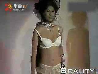 日本美女舞蹈 性感美女自拍