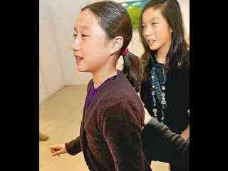 虐女_小龙女的母亲吴绮莉藏毒虐女被捕