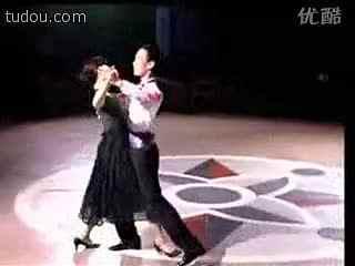 交际舞慢三花样_交谊舞教程影视三步学跳舞慢三提高篇
