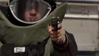 奥斯卡10年最佳影片拆单弹部队精彩片段:出租车闯入爆破区