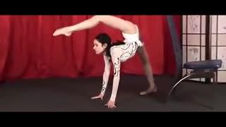 性感柔术美女 性感美女柔术软功表演