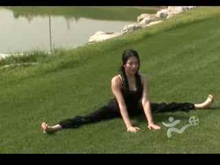 瑜伽入门 美女教你练瑜伽9