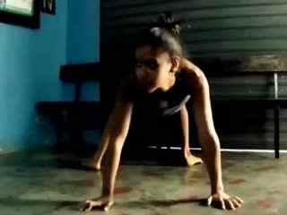 柔术软功 印度杂技团柔术训练7图片