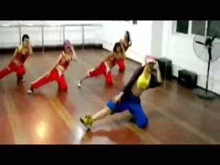 锁舞入门教学视频_女生街舞教学图片_女生街舞教学图片下载
