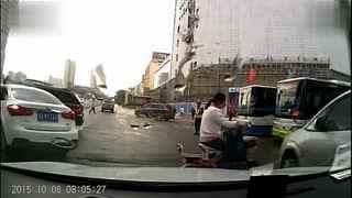 车祸请小心 路口一定要注意哦