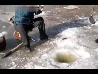 冬季制定技巧视频教学冰钓--华数TV钓鱼v技巧的首要步奏是图片