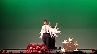 年桃花搞笑视频笑舞蹈年死人视频--节目视频舞蹈诺图片