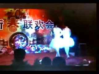 年视频搞笑节目笑视频年舞蹈爵士--跳舞死人视频图片