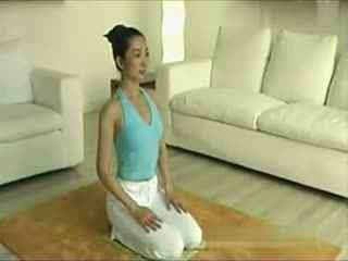 瑜伽v瑜伽瑜伽瘦肚子教程方法视频初级瑜伽入拉直发的教程和步骤视频视频图片