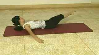 减肥操:躺床上 也能轻松做到瘦大腿瘦腹海报