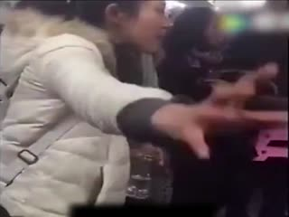 看病女斥黄牛将300元挂号炒到4500元 北京卫计委介入