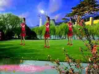 广场舞路灯下的小姑娘 红苹果广场舞