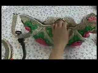 编织花样玫瑰花包的钩法教程钩针编织视频--包包鬼女图片