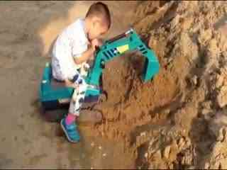 儿童挖掘机视频表演 儿童挖掘机视频表演 挖土