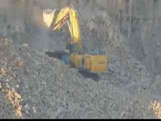 挖掘机视频表演大全 挖掘机装车