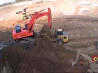 挖掘机视频表演 苏格兰街头舞蹈搬来挖掘机
