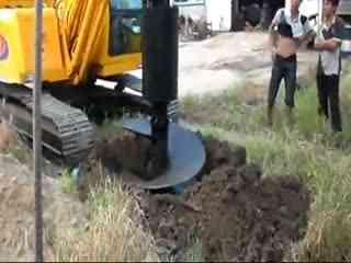 挖机操作技巧视频 施工现场挖机装车4