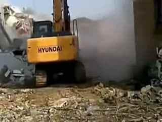 挖机操作技巧视频 超级震撼的挖掘机 现代 舞