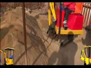 挖机操作技巧视频 动画吊车挖掘机装车视频表演 1