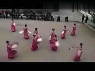 阿中中广场舞 新春佳节笑颜开
