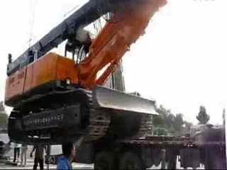 钩机视频大全 挖掘机工作视频表演 小苹果施工现场挖机装车1