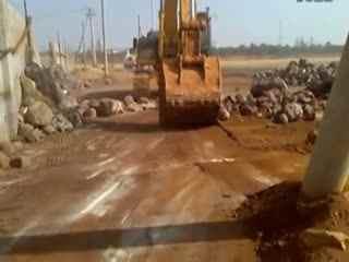 钩机视频大全 挖掘机工作视频表演 挖掘机事故翻车视频