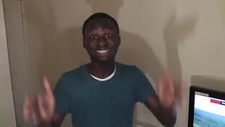 魔性非洲boy 小哥观看人vs眼镜蛇
