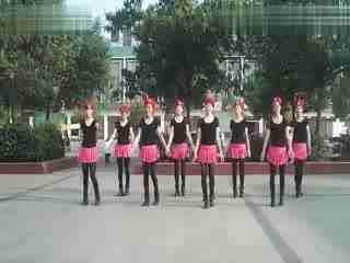 春雨广场舞 军歌声声